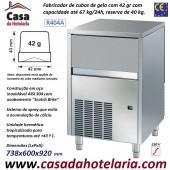 Fabricador de Cubos de Gelo com 42 gr, 67 kg/24h, Reserva 40 kg. Condensação a Ar, Monofásico (transporte incluído) - Refª 101285