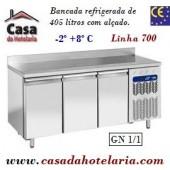 Bancada Refrigerada de 405 Litros com Alçado e 3 Portas GN 1/1 da Linha 700 (transporte incluído) - Refª 101523