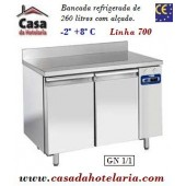 Bancada Refrigerada de 260 Litros com Alçado e 2 Portas GN 1/1 da Linha 700 (Grupo à distância) (transporte incluído) - Refª 101535
