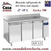 Bancada Refrigerada de 405 Litros com Alçado e 3 Portas GN 1/1 da Linha 700 (Grupo à distância) (transporte incluído) - Refª 101536